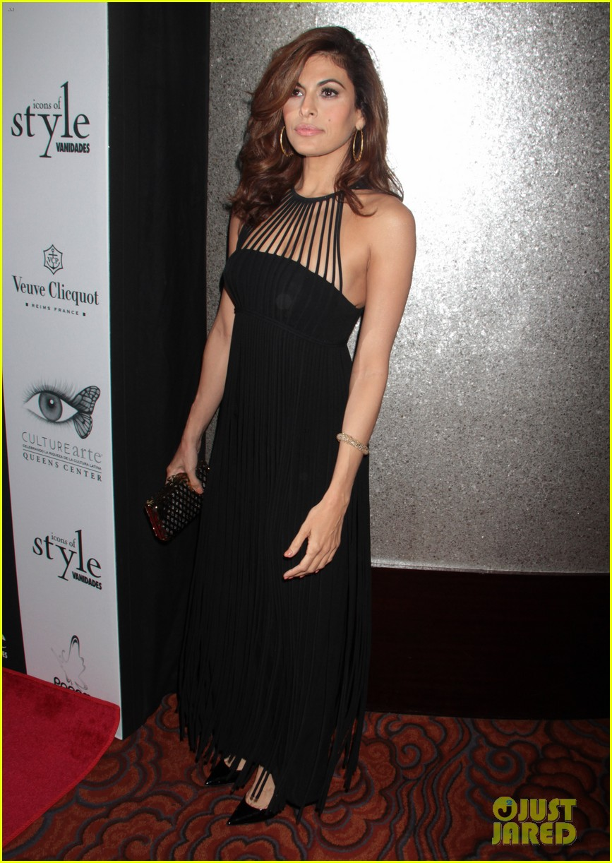 eva mendes icons of style awards in new york city 032955754