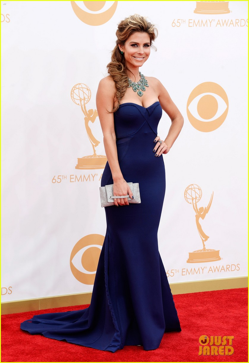 maria menounos mario lopez emmys 2013 red carpet 01