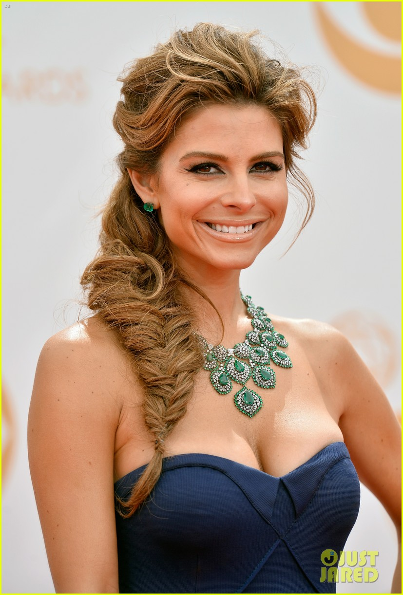 maria menounos mario lopez emmys 2013 red carpet 122957863