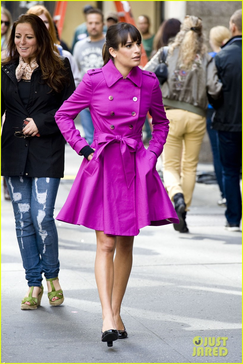 lea michele films glee in new york city first photos 112948226