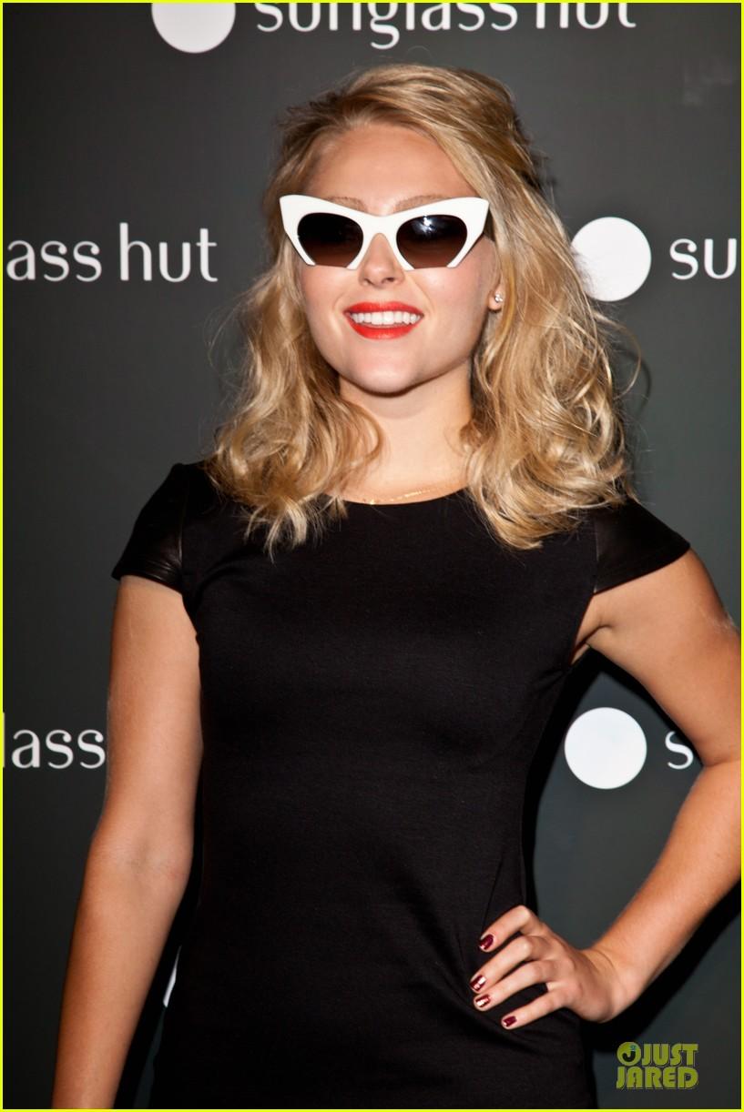 olivia munn annasophia robb sunglasses hut nyc opening 08
