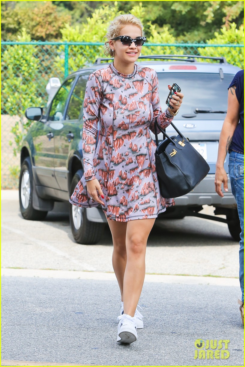 rita ora visits the salon after studio time with calvin harris 072955917