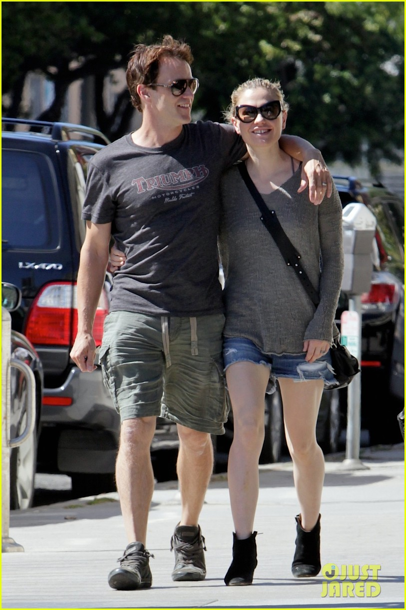 anna paquin stephen moyer loved up in santa monica 01