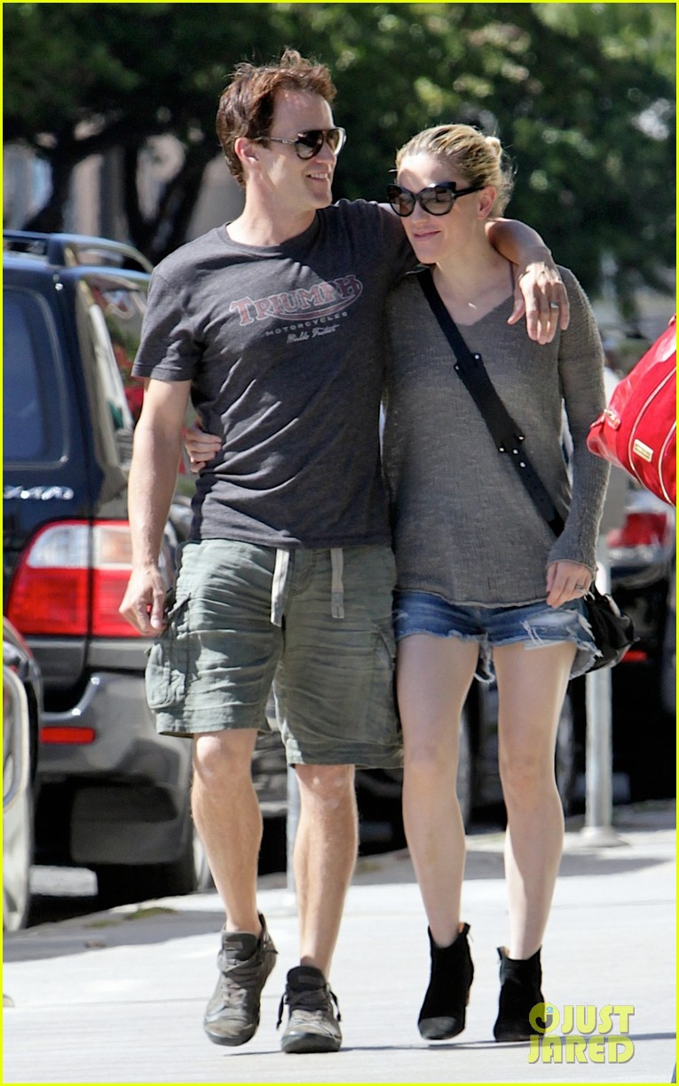 anna paquin stephen moyer loved up in santa monica 04