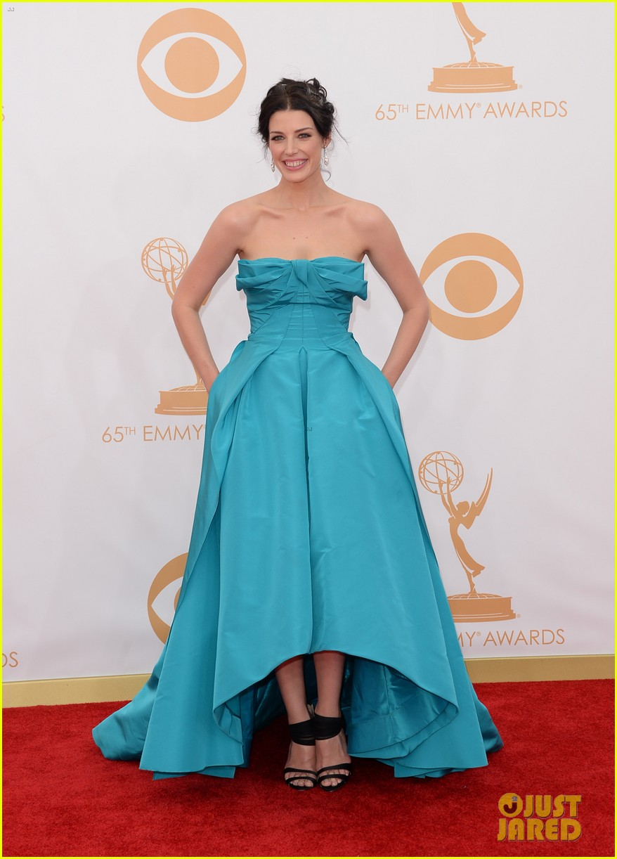 jessica pare james wolk emmys 2013 red carpet 012958028