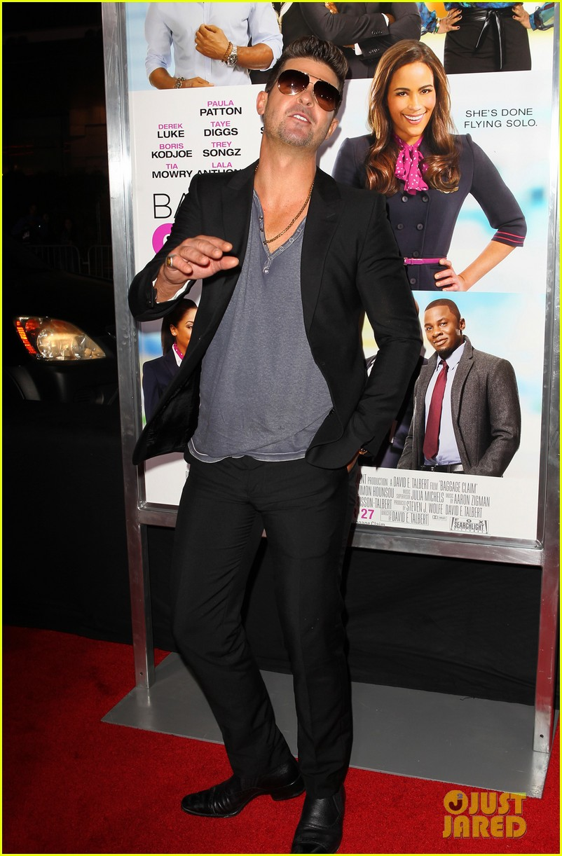 paula patton baggage claim premiere with robin thicke 20