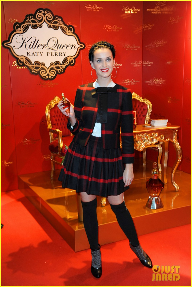 katy perry killerqueen fragrance launch signing 08