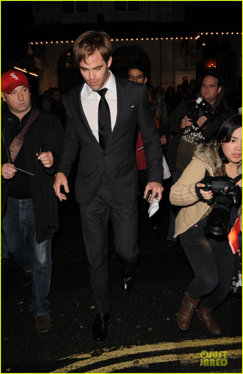 chris pine a midsummer night dream press night 01