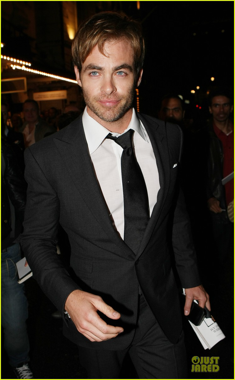 chris pine a midsummer night dream press night 02