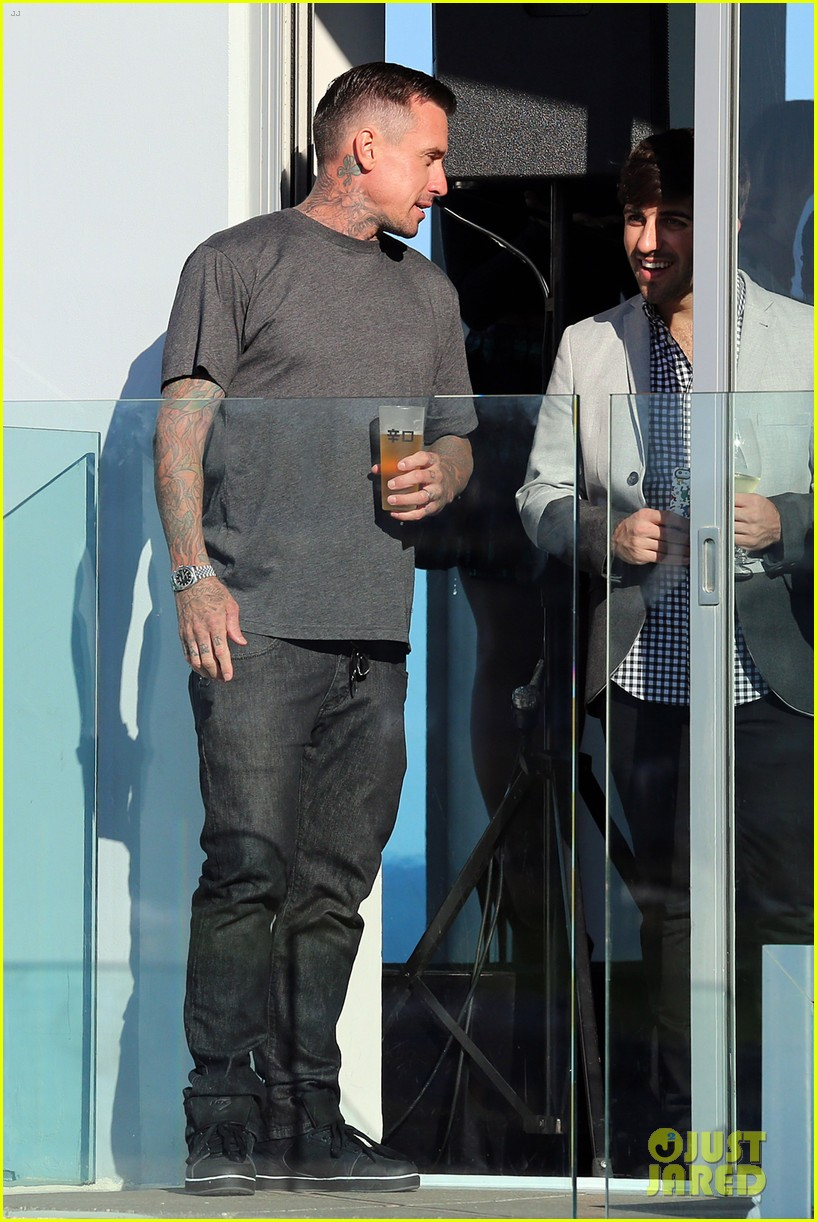 pink carey hart meet with record executives in sydney 04
