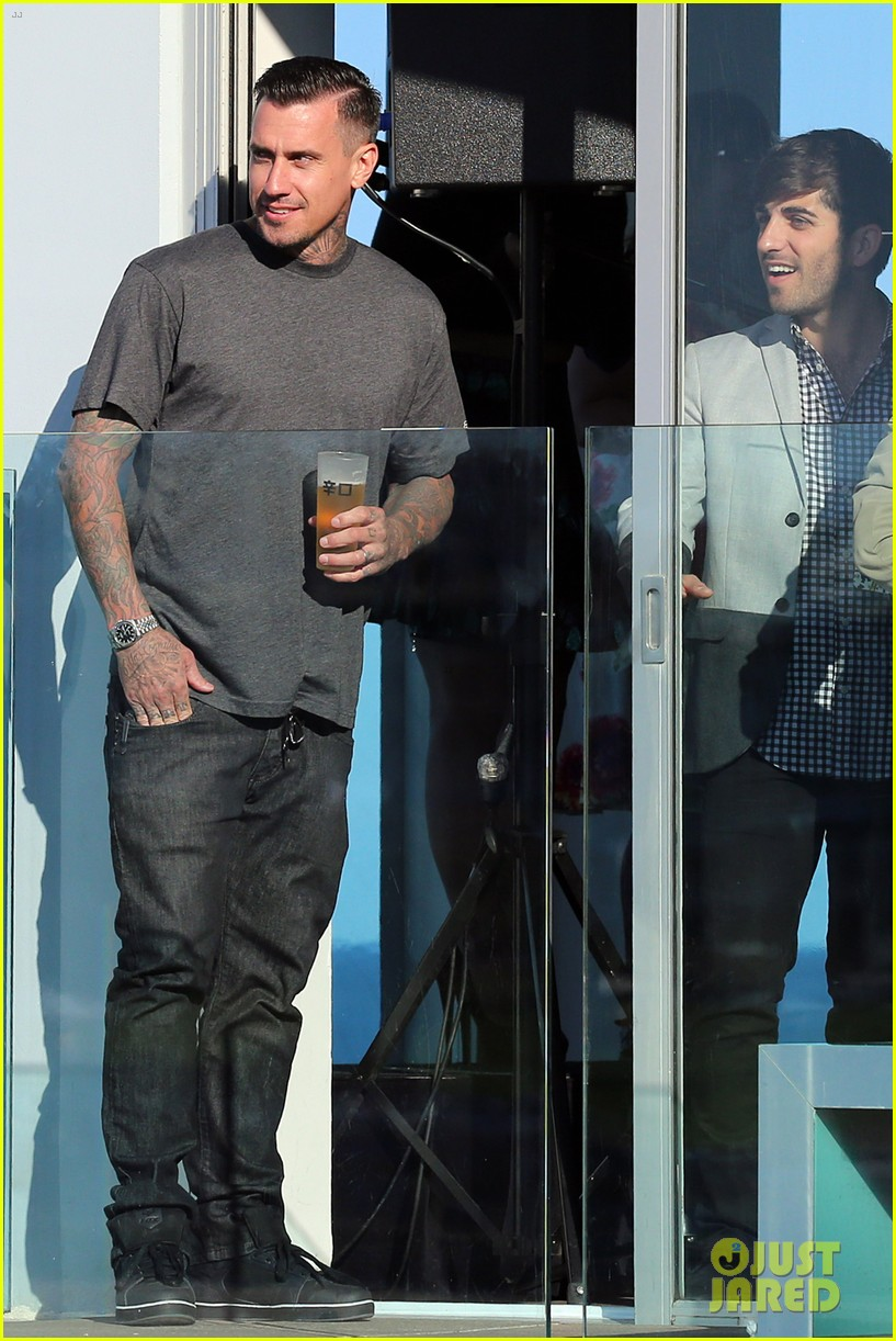 pink carey hart meet with record executives in sydney 26