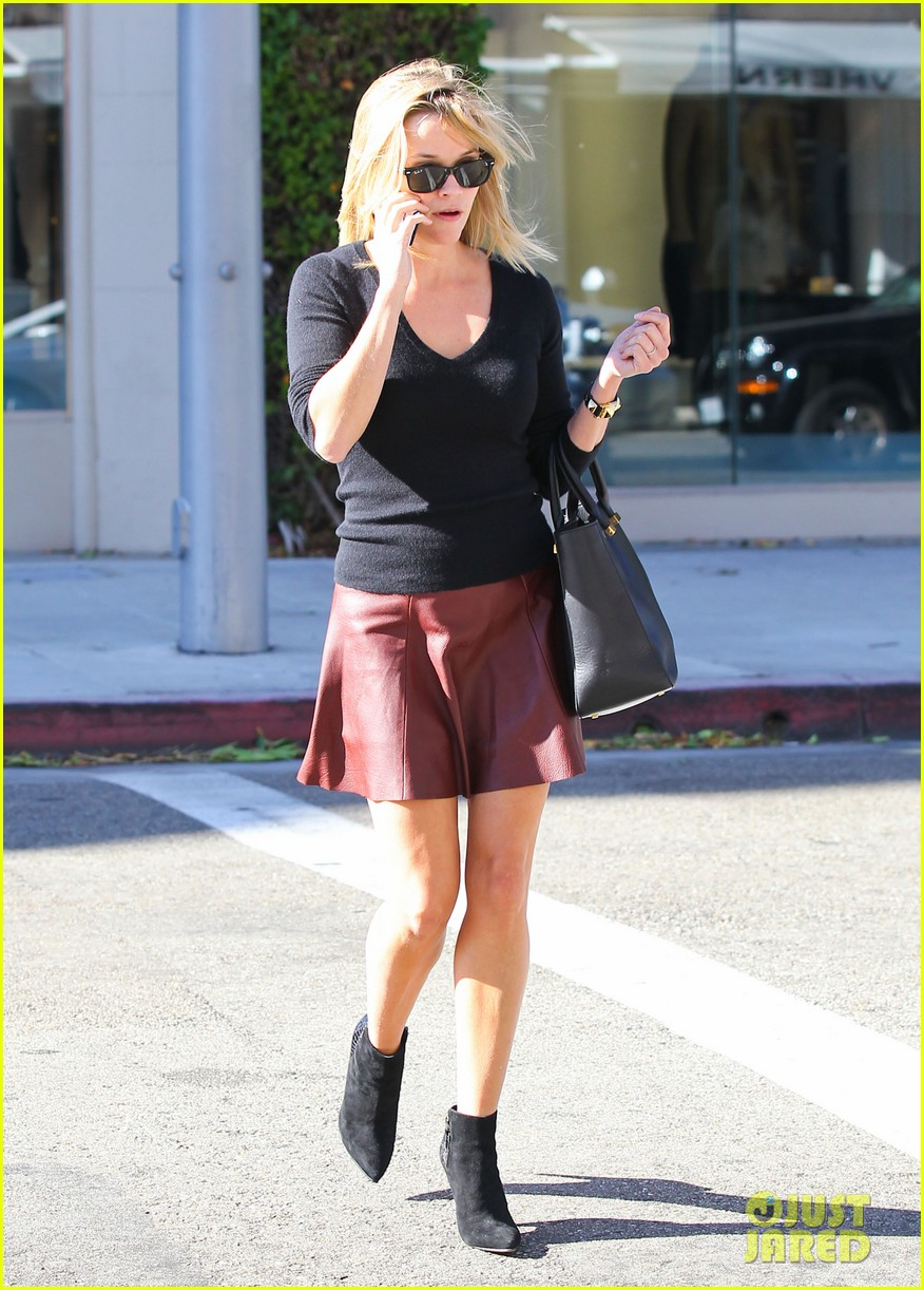 reese witherspoon does outfit change in beverly hills 05