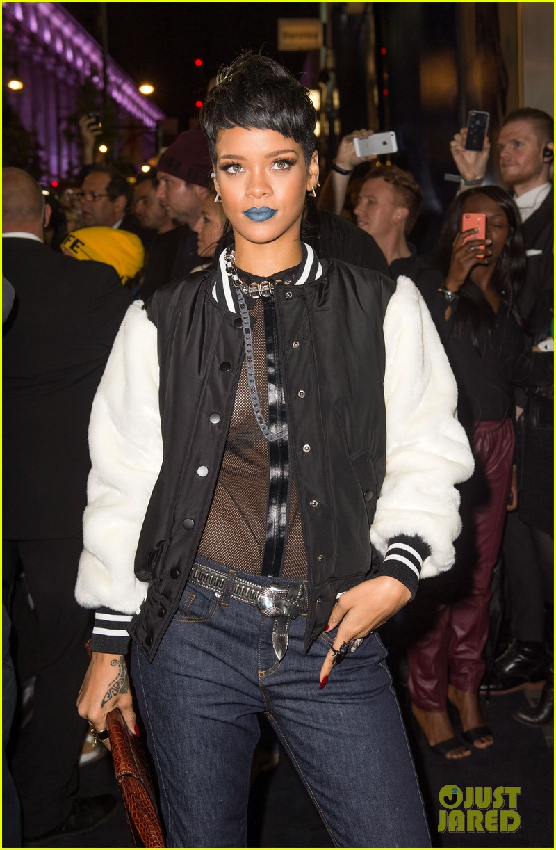 rihanna blue lips for river island collection launch 03