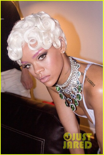 rihanna pour it up behind the scenes video pics 082962482