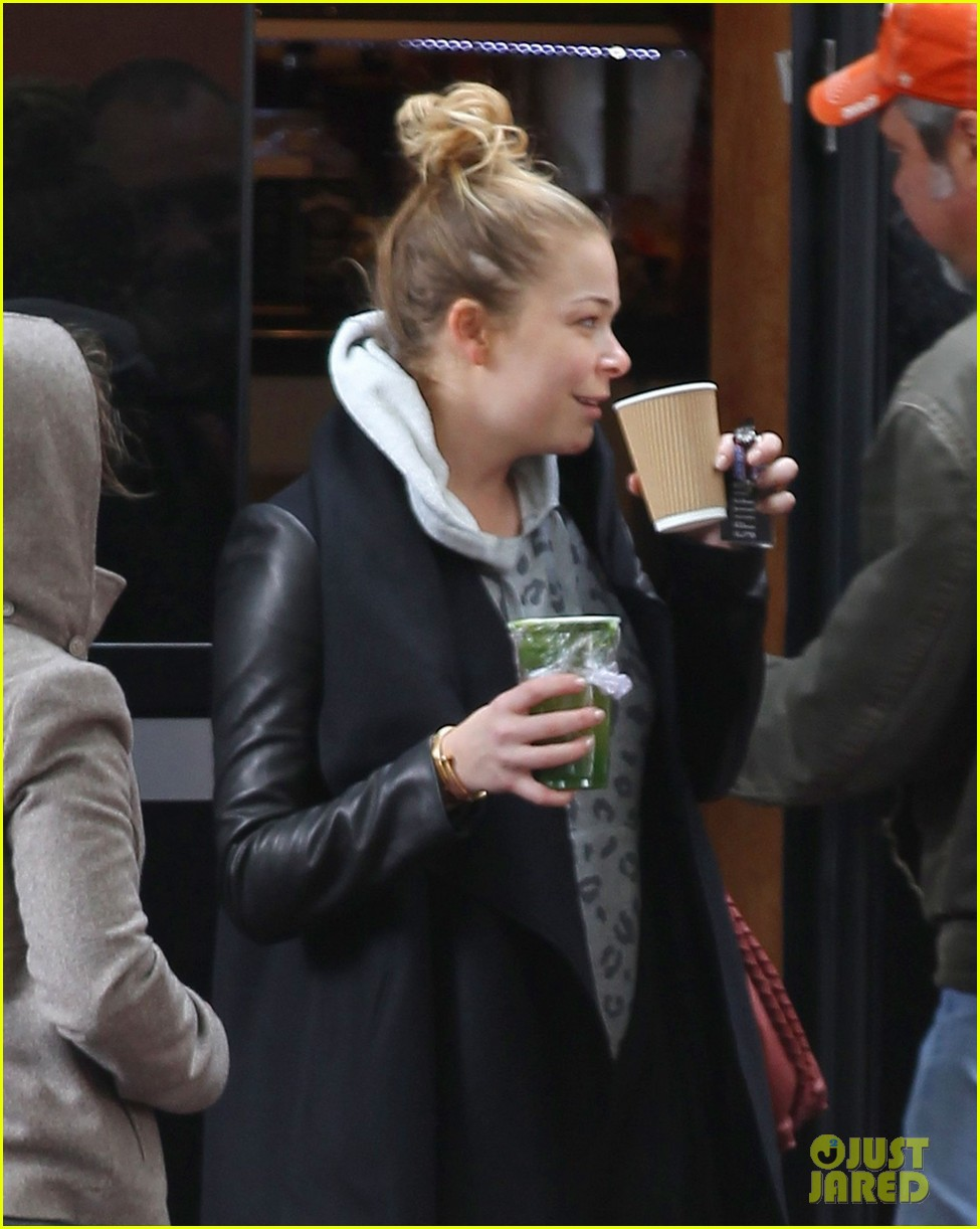 leann rimes starts day with coffee miley cyrus wrecking ball 082954250