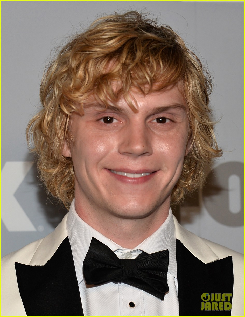 emma roberts evan peters fox emmys 2013 after party 10