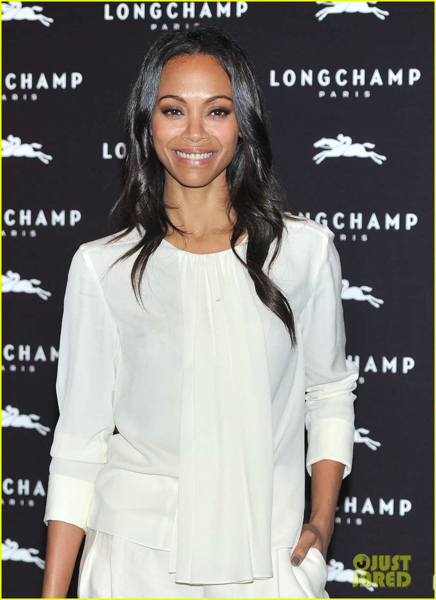 Zoe Saldana Hides Wedding Ring at First Post-Marriage Event!: Photo ...