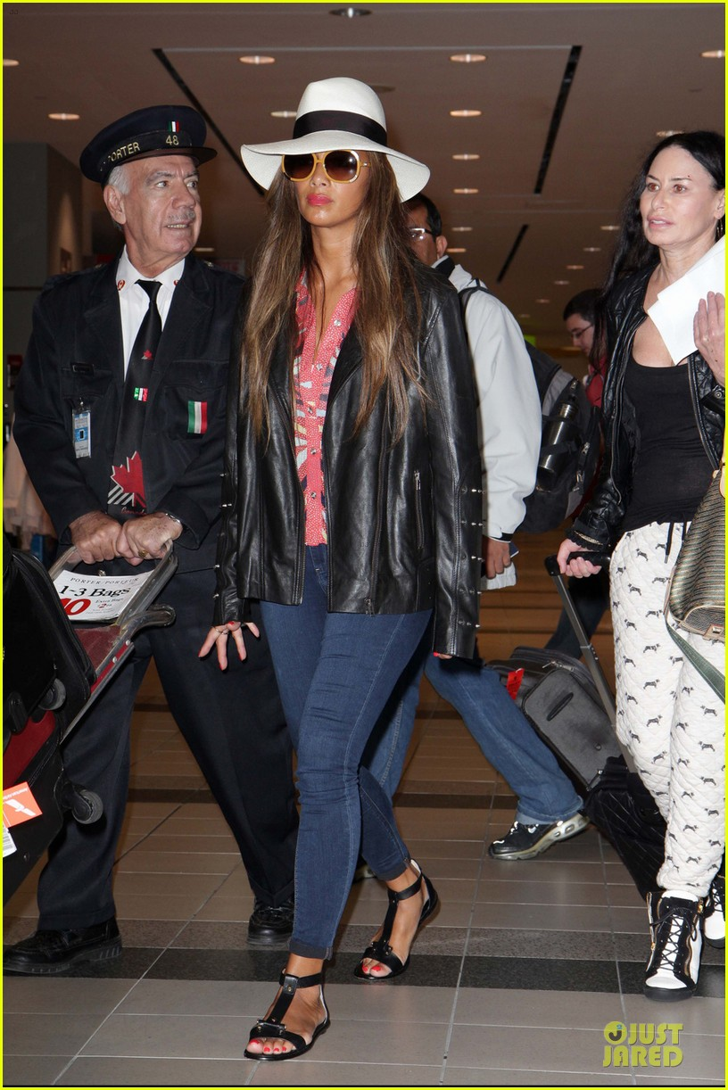 nicole scherzinger good to be back in canada 062962251