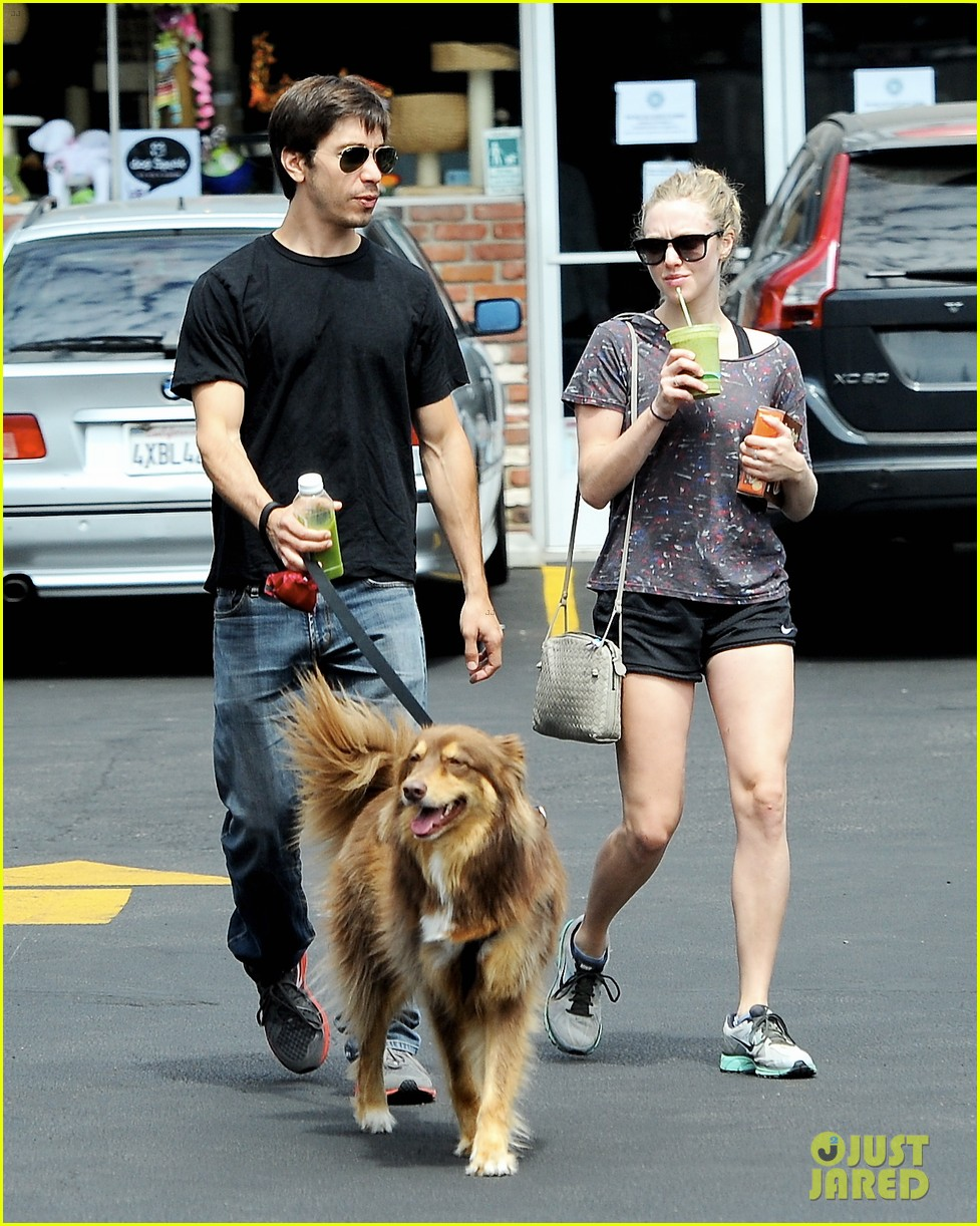 amanda seyfried justin long weekend outing with finn 01
