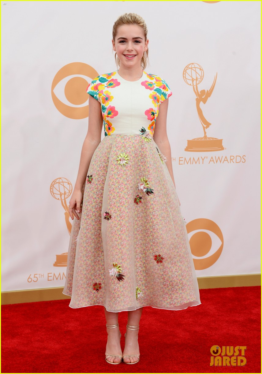 kiernan shipka morgan saylor emmys 2013 red carpet 012957915