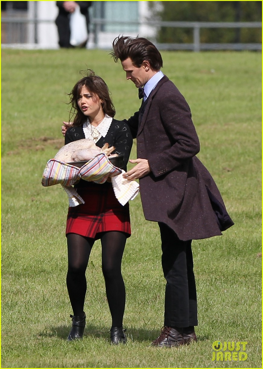 matt smith films doctor who christmas special with jenna coleman 20