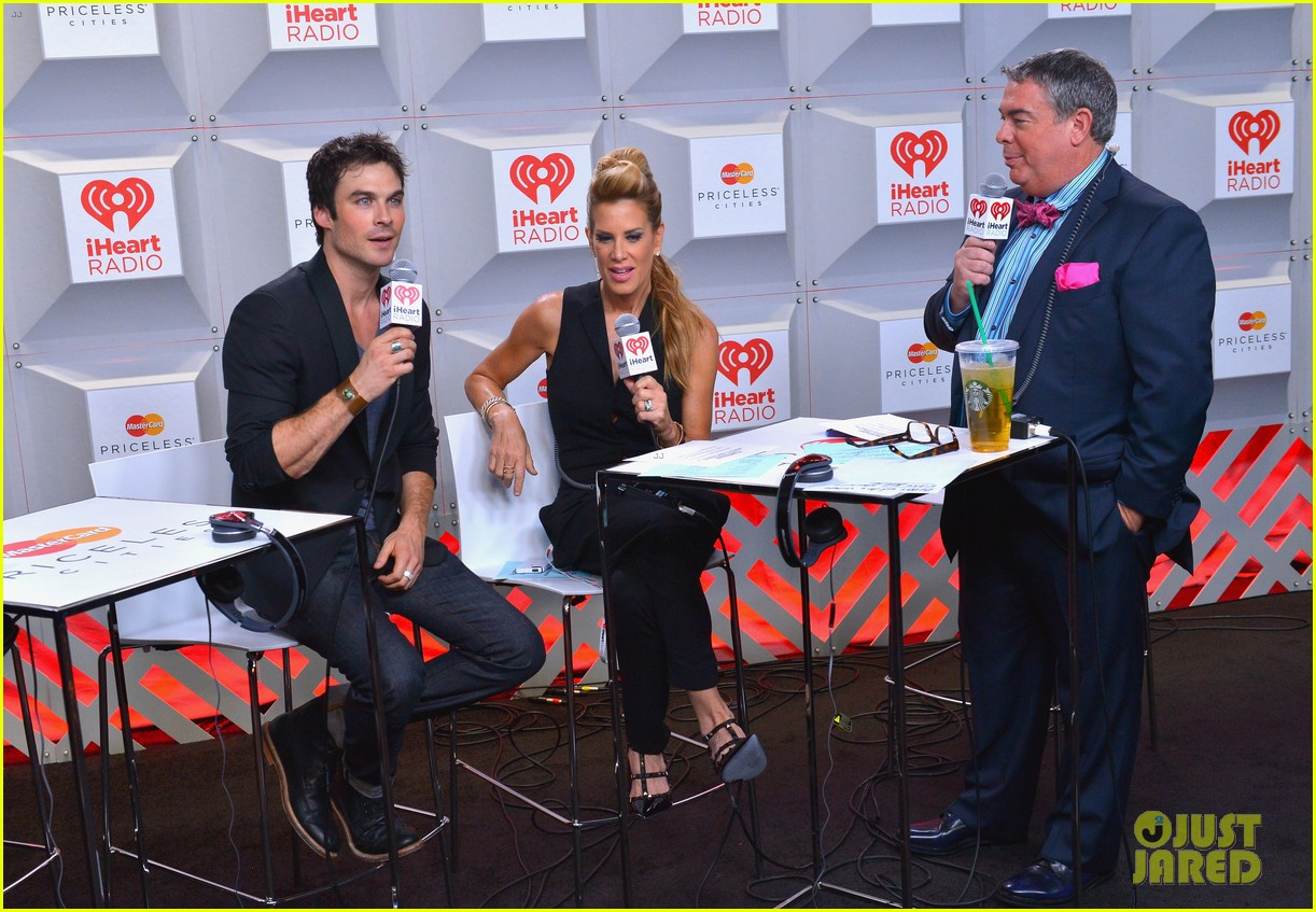 ian somerhalder i heart radio music festival with vampires 12