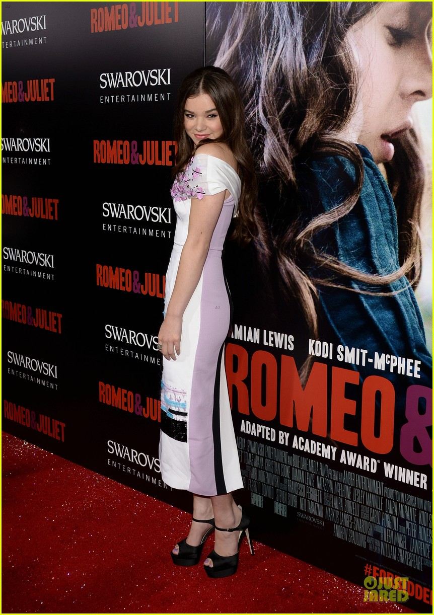 hailee steinfeld douglas booth romeo and juliet premiere 072959535