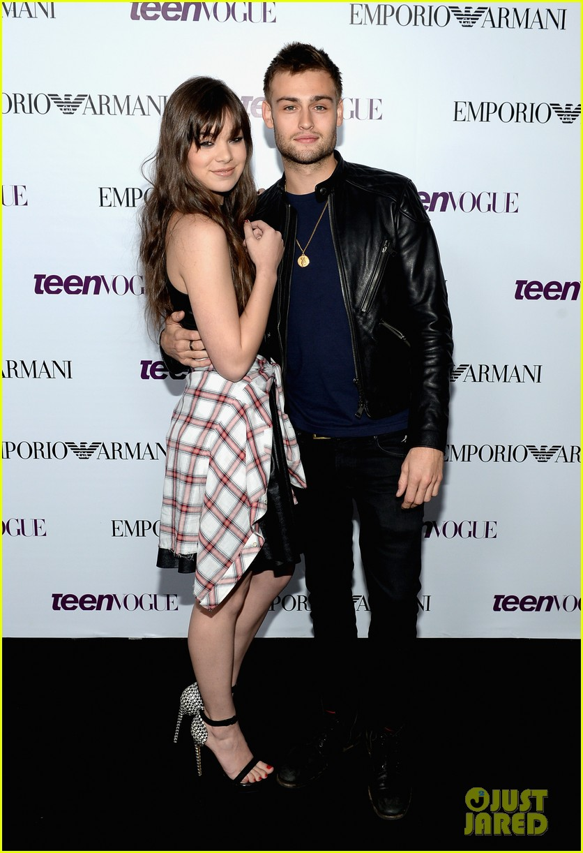 hailee steinfeld douglas booth teen vogue young hollywood party 2013 05