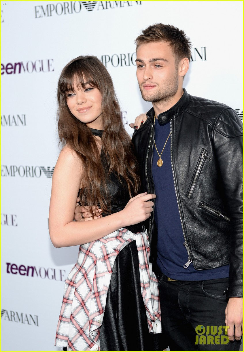 hailee steinfeld douglas booth teen vogue young hollywood party 2013 08