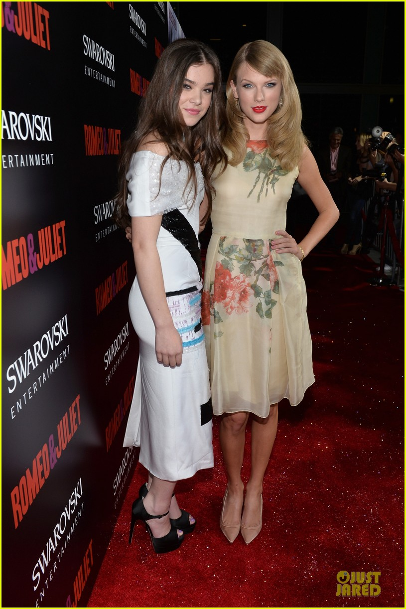 taylor swift supports bff hailee steinfeld at romeo juliet premiere 05