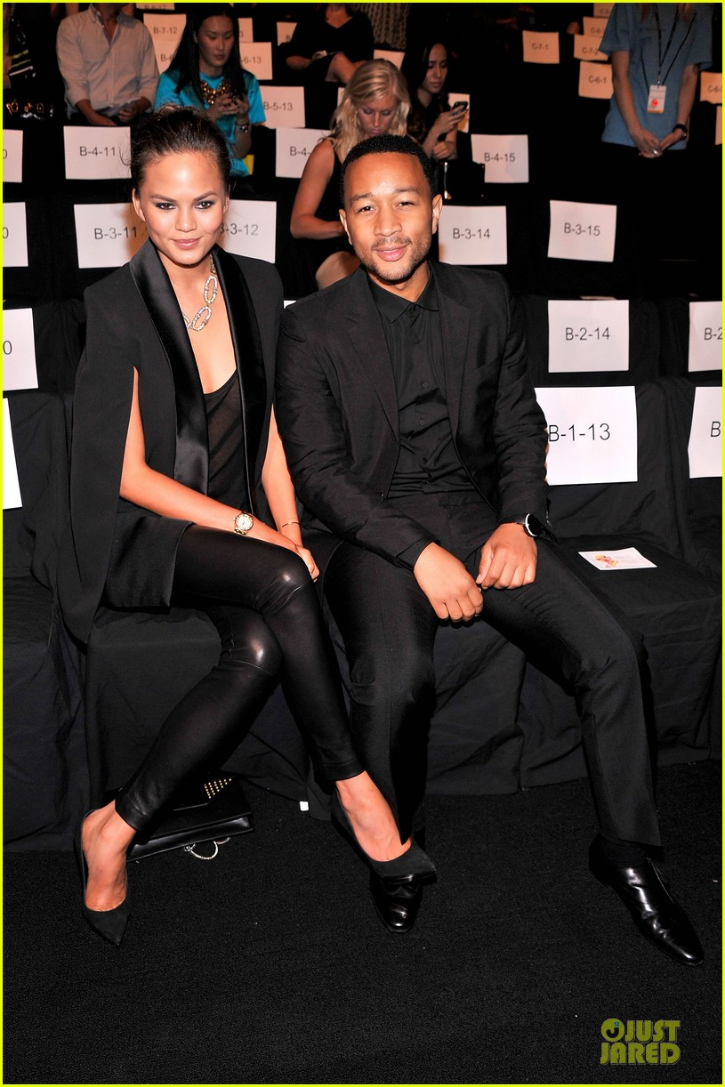 chrissy teigen john legend vera wang badgley mischka fashion shows 182949574