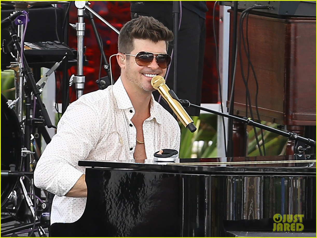 robin thicke waterslide adventures with julian 08