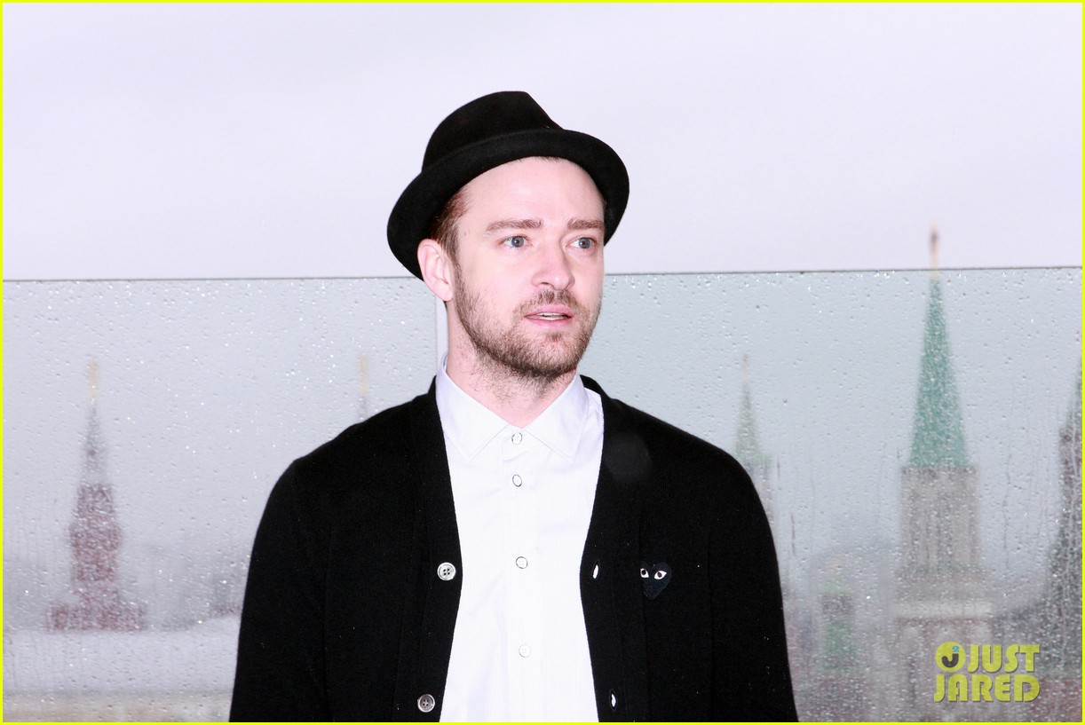 justin timberlake runner runner moscow photo call 02