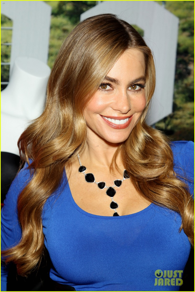 sofia vergara celebrates fall holiday collections for kmart 13