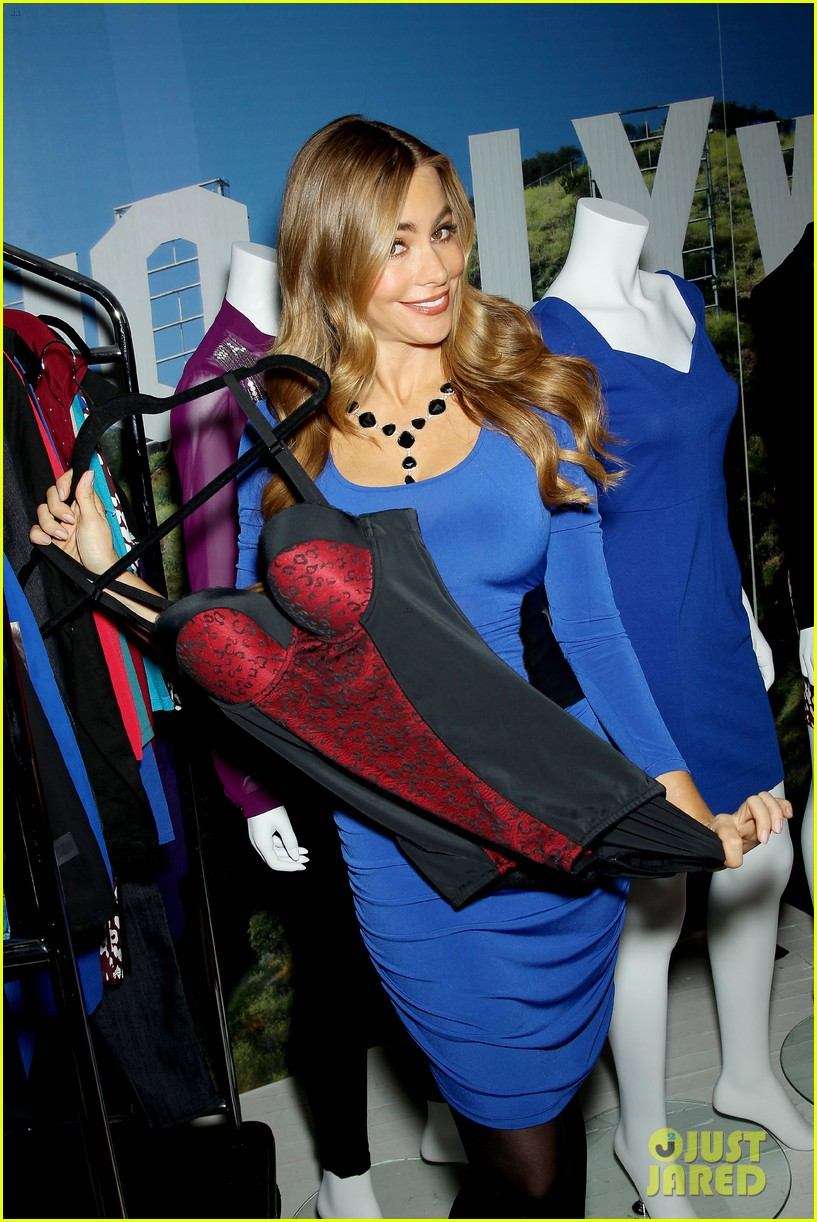 sofia vergara celebrates fall holiday collections for kmart 172959990