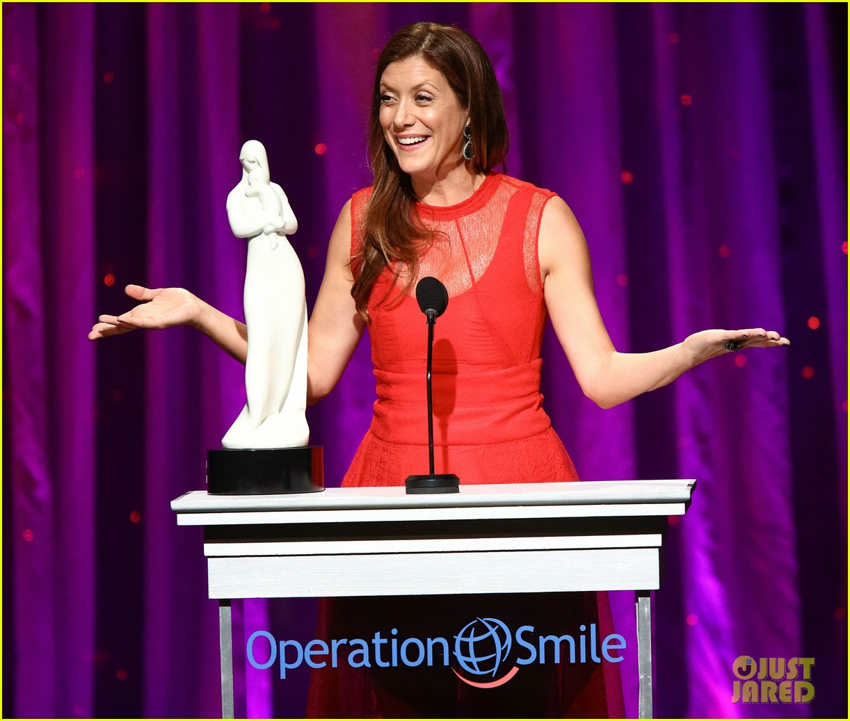 kate walsh harrison ford operation smile gala 2013 02