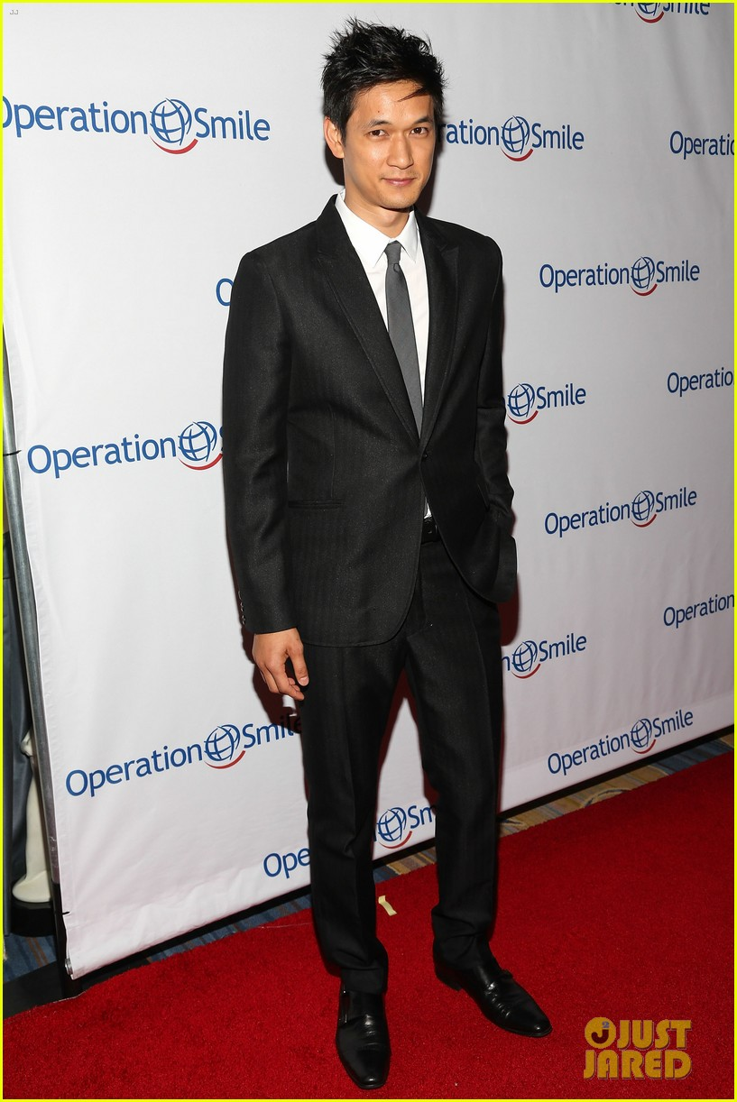 kate walsh harrison ford operation smile gala 2013 12