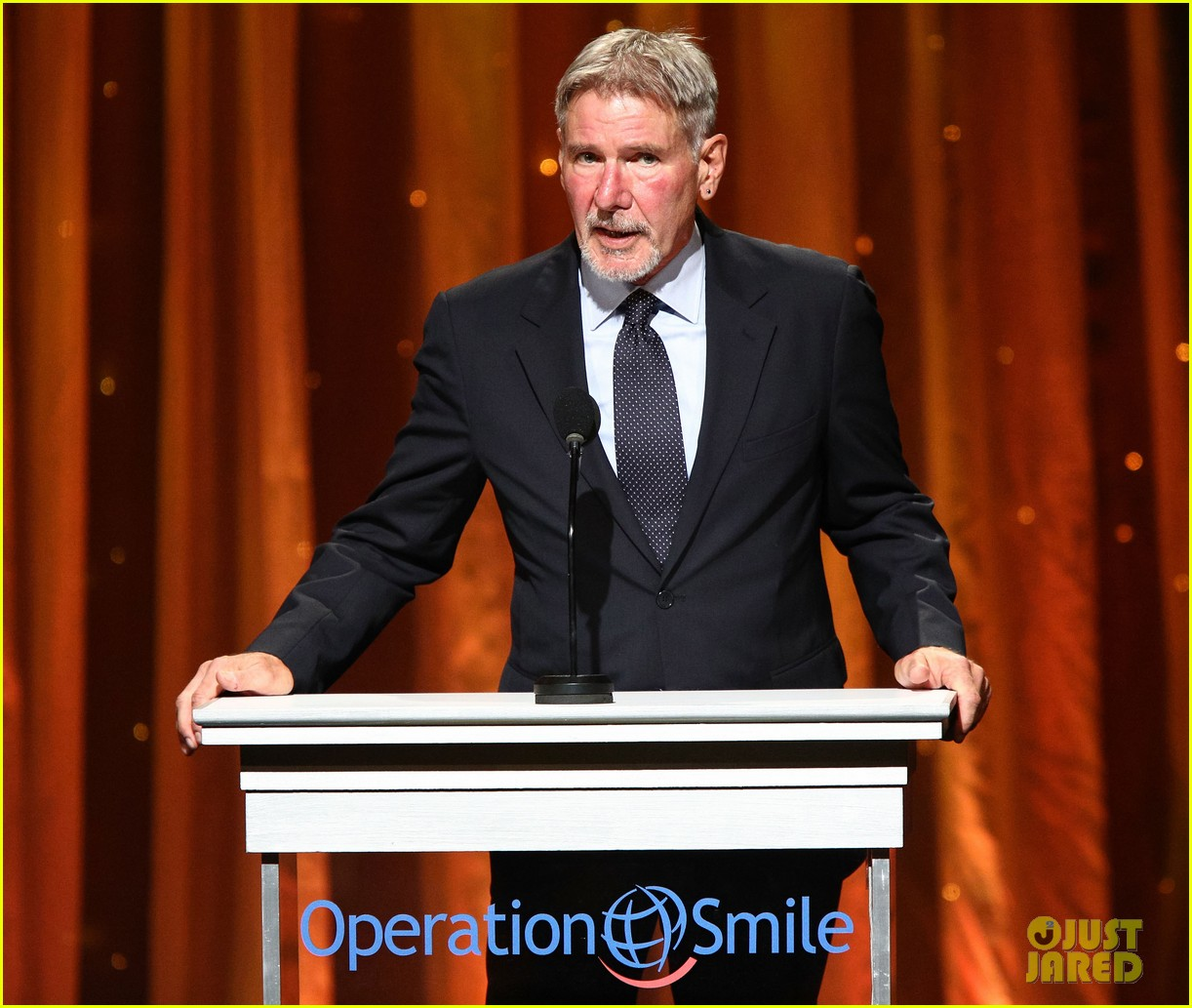 kate walsh harrison ford operation smile gala 2013 17