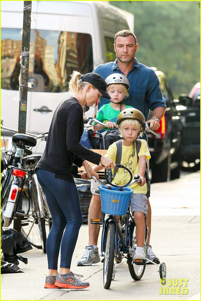 naomi watts family take on morning with early exercise 08