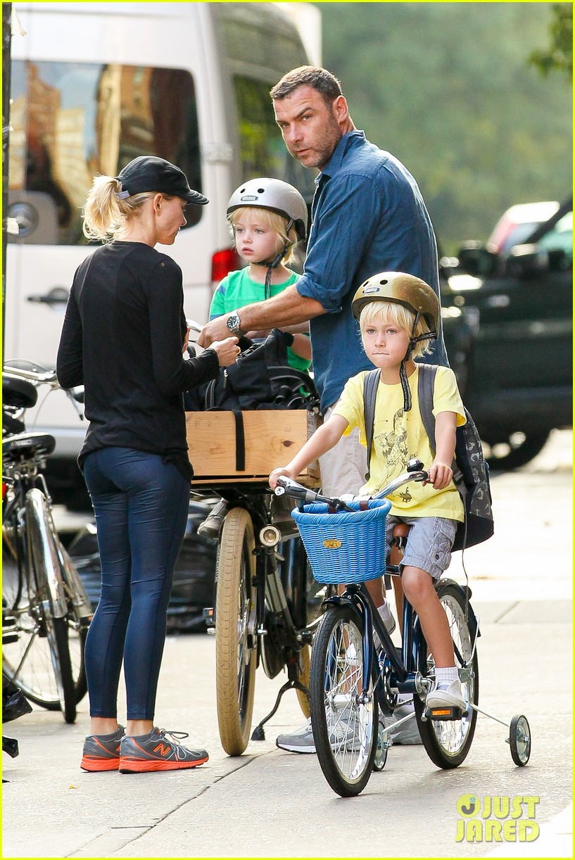 naomi watts family take on morning with early exercise 09