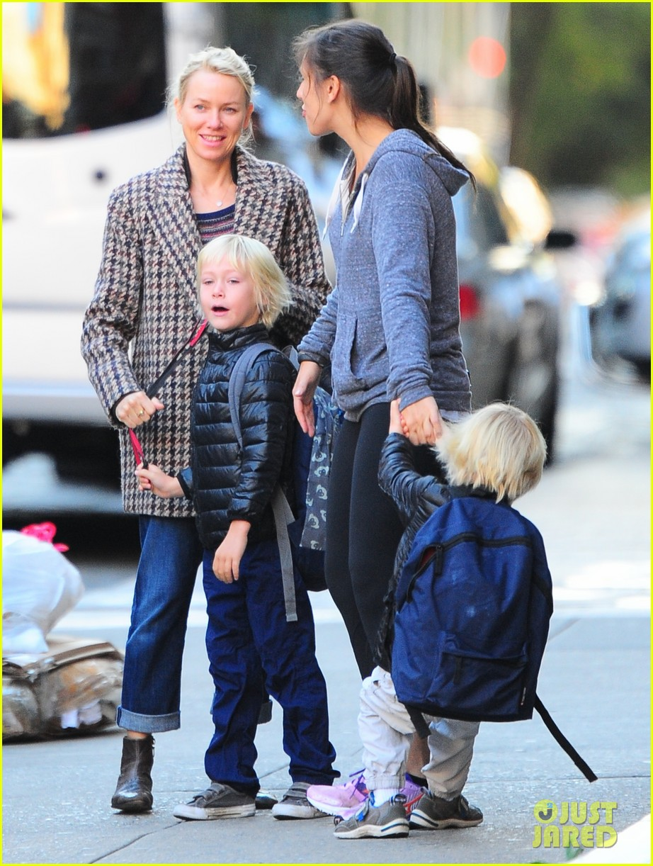 naomi watts rides the subway with her boys 10