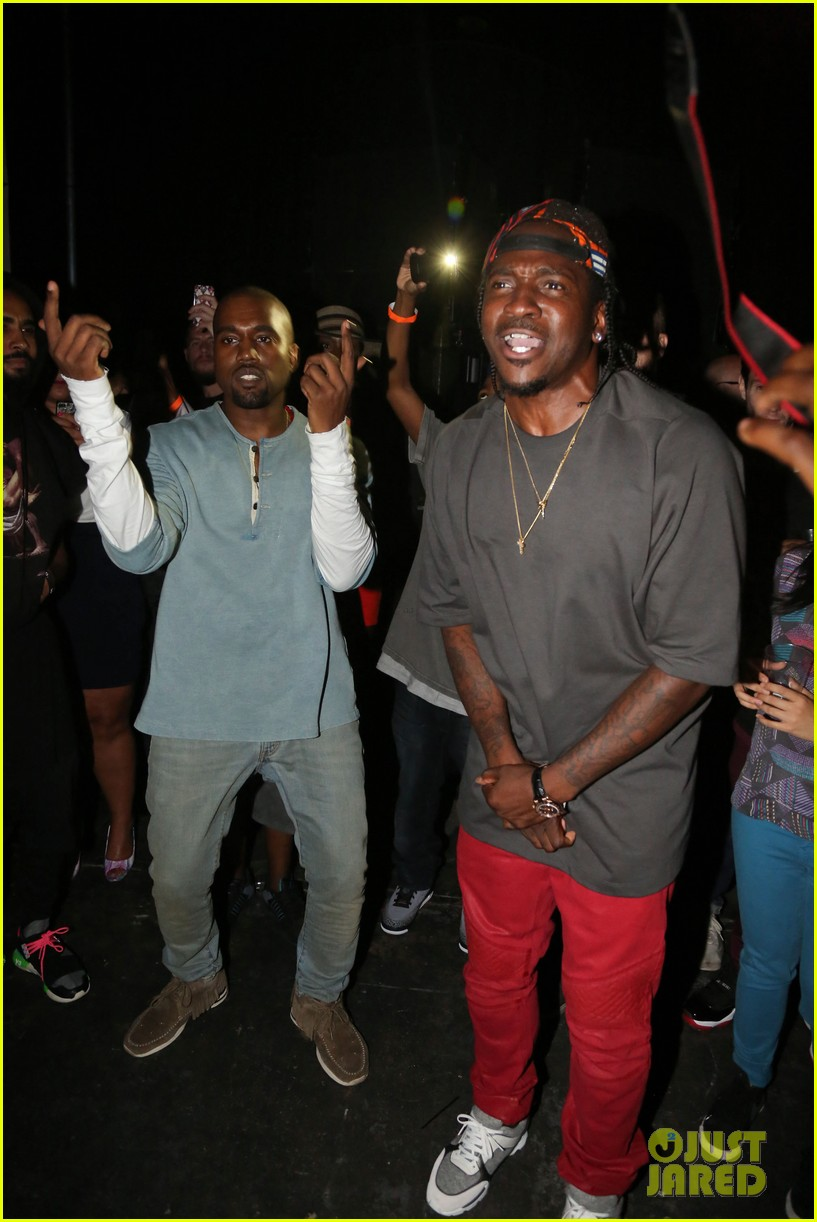 kanye west mnimn listening party 01