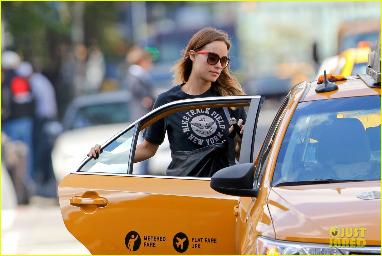 olivia wilde east village outing 05