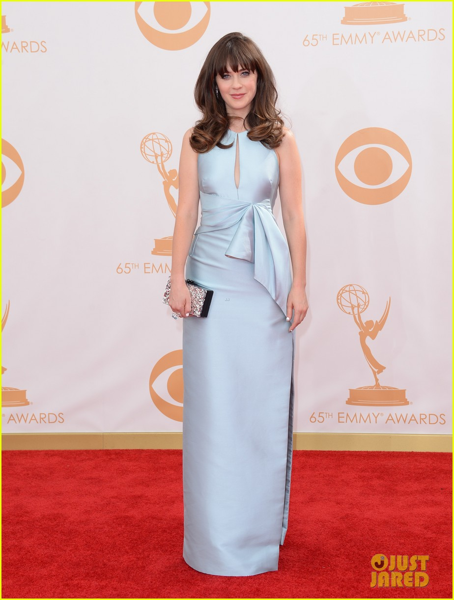 zooey deschanel emmys 2013 red carpet 01