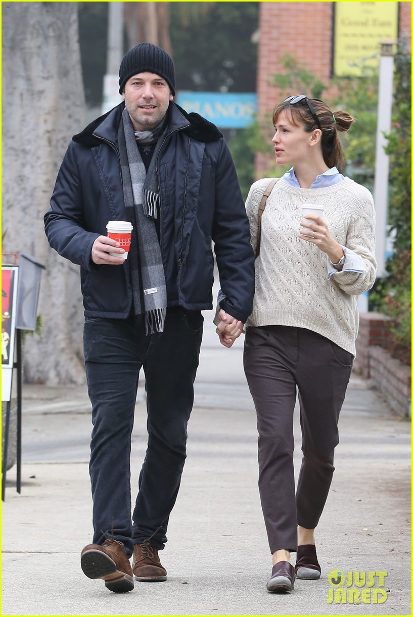 ben affleck jennifer garner hold hands for coffee run 242981400