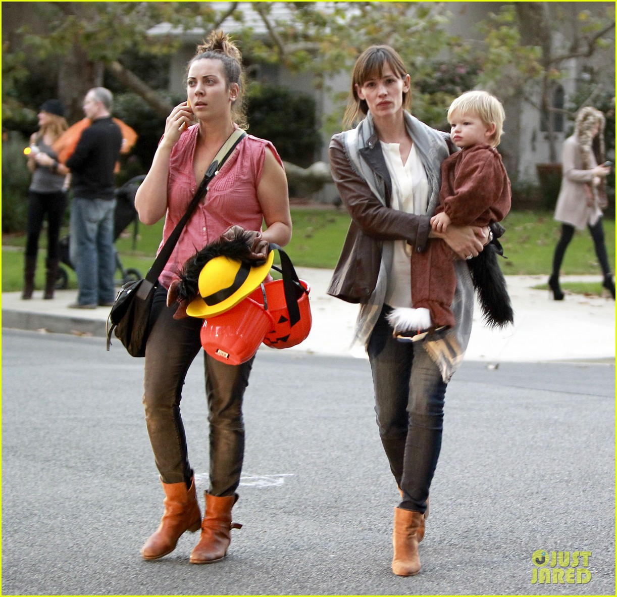 ben affleck jennifer garner halloween trick or treating 07