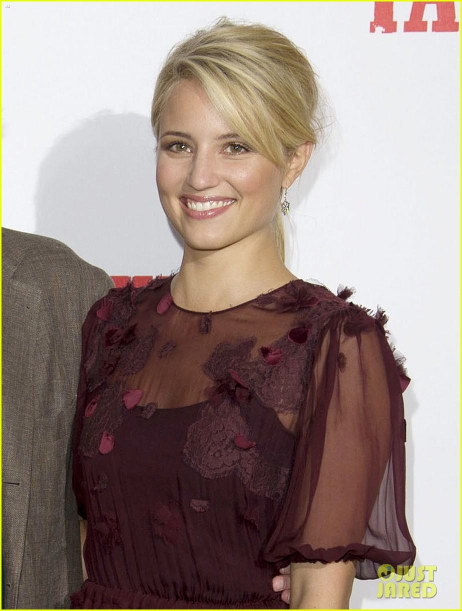 dianna agron michelle pfeiffer family london photo call 04