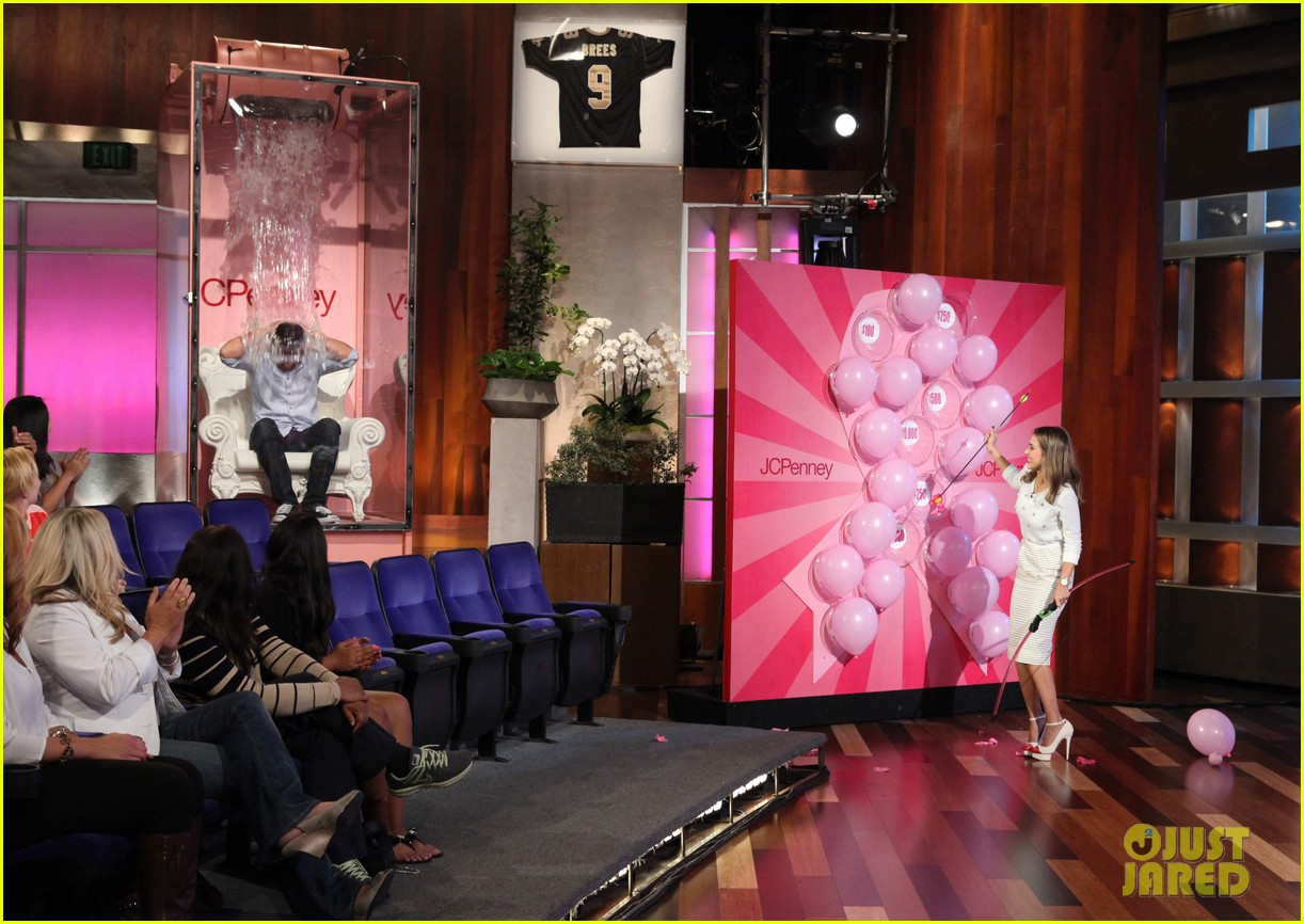 jessica alba dunks cash warren on ellen 042965073