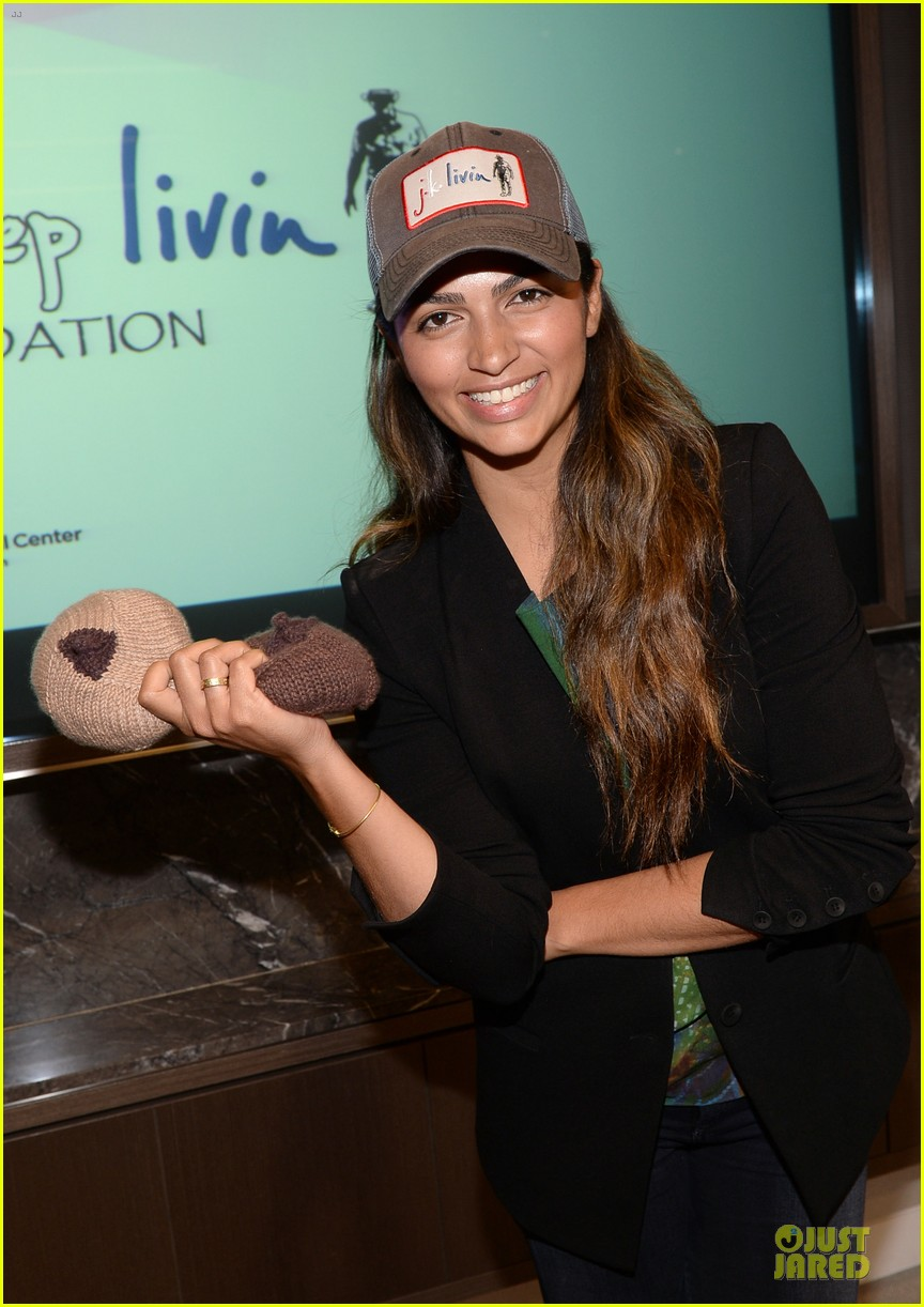 camila alves knits for just keep livin breast cancer awareness 022969233