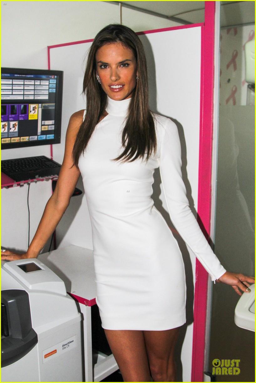Full Sized Photo of alessandra ambrosio whitens brazilian ... Alessandra Ambrosio